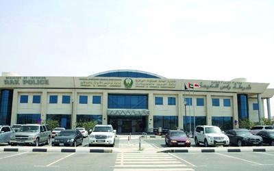 عصابة سرقة الكيبلات ومواد البناء أمام القضاء برأس الخيمة