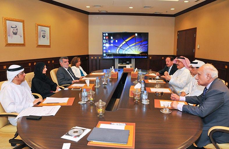 اجتماع تنسيقي بين وزارة تطوير البنية التحتية والمعهد العربي للتشغيل والصيانة