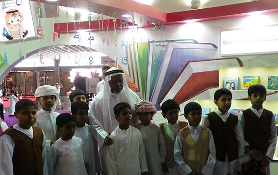 اقبال لافت على جناح (الثقافة) بمهرجان الشارقة القرائي للطفل