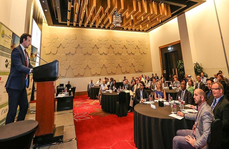 بلدية مدينة أبوظبي ترعى وتشارك في مؤتمر تنسيق الحدائق والأماكن العامة في أبوظبي