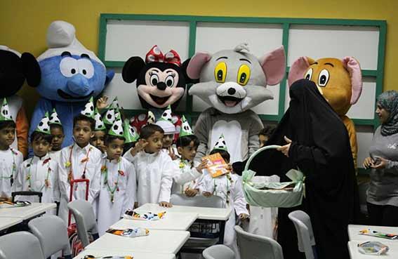 مجلس أولياء أمور مدينة دبا الحصن يشارك فرحة الطلاب والطالبات في أول يوم دراسي