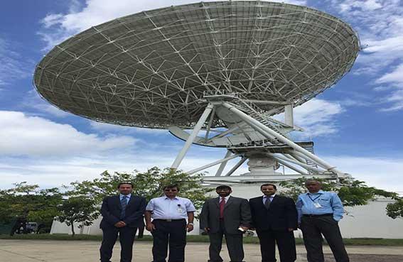 الإمارات للفضاء تبحث فرص التعاون مع منظمة البحوث الفضائية الهندية