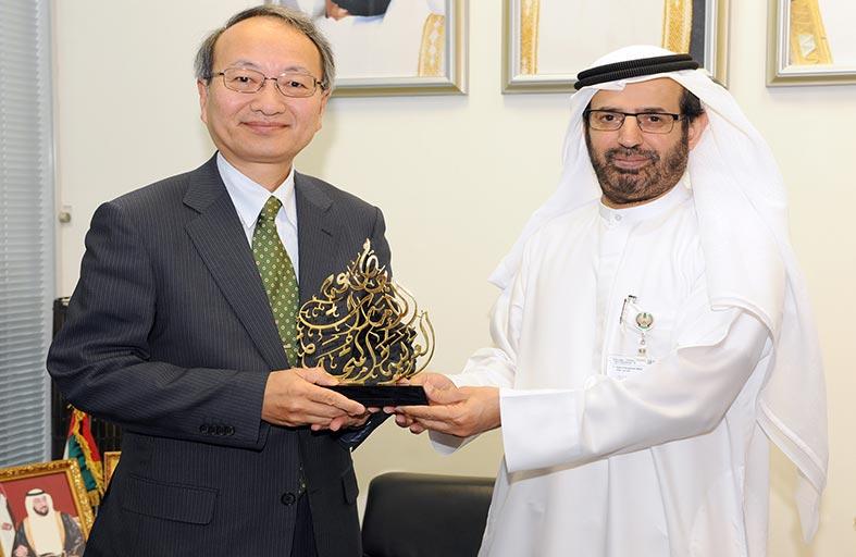 السفير الياباني يبحث آفاق التعاون العلمي والبحثي مع جامعة الإمارات