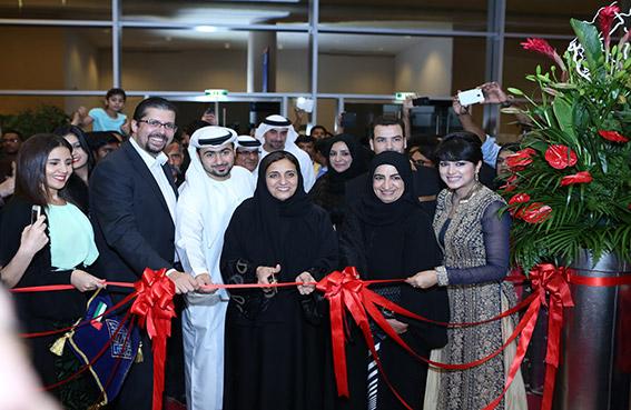 لبنى القاسمي تفتتح مهرجان سوق رمضان الليلي في مركز دبي التجاري العالمي