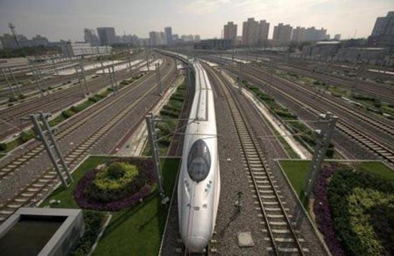 الصين تنوي استثمار 4.2 مليار دولار في خط للقطارات السريعة