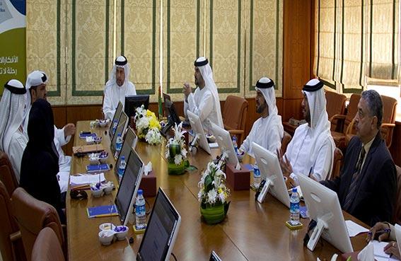 اللجنة الدائمة للتنمية الاقتصادية بعجمان تعقد اجتماعها الدوري لبحث سير العمل