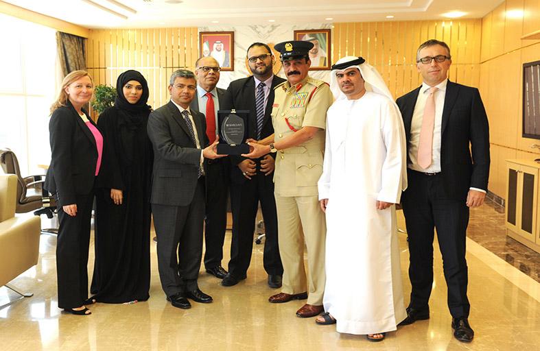 باركليز يكرّم جهود شرطة دبي في مواجهة جرائم الاحتيال المالي
