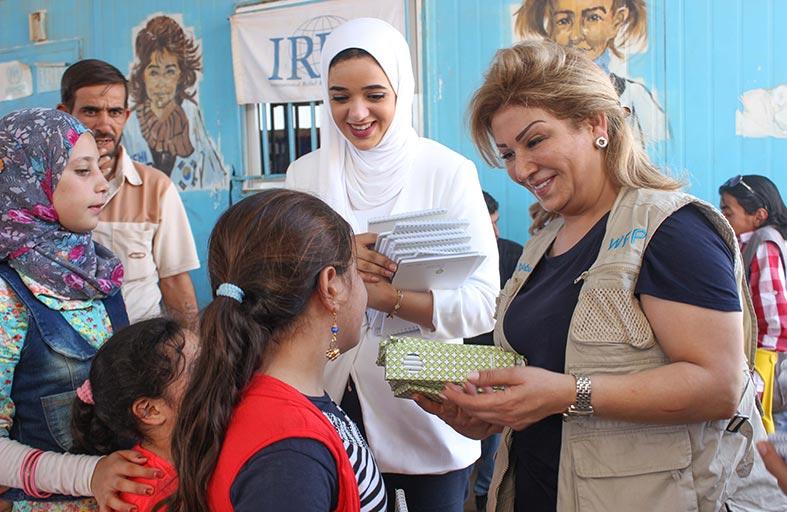 وفد من مؤسسة (فن) يزور مخيم الزعتري في الأردن لدعم للأطفال اللاجئين