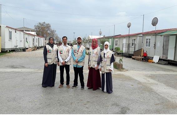أطباء إماراتيون يقدمون خدماتهم الطبية والعلاجية للاجئين السوريين في اليونان
