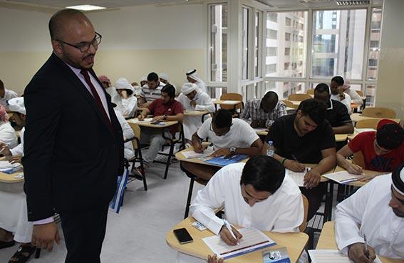 ورشة عمل لطلبة كلية الإمارات للتكنولوجيا بالتعاون مع مصرف أبوظبي الإسلامي