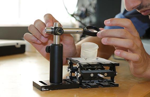 معهد مصدر يطور الجيل القادم من تقنيات الخلايا الكهروضوئية المركزة