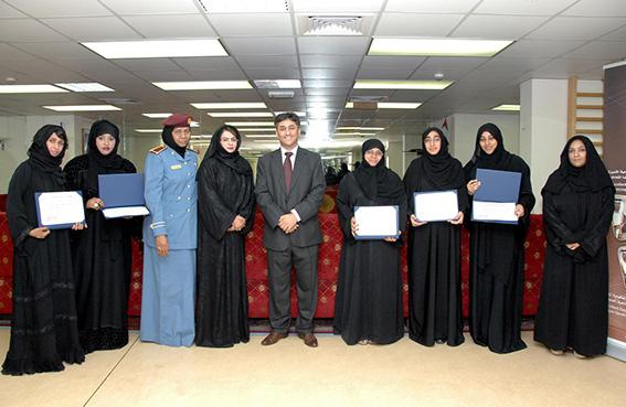 تحسين كفاءة عضوات جمعية الشرطة النسائية في البحث العلمي