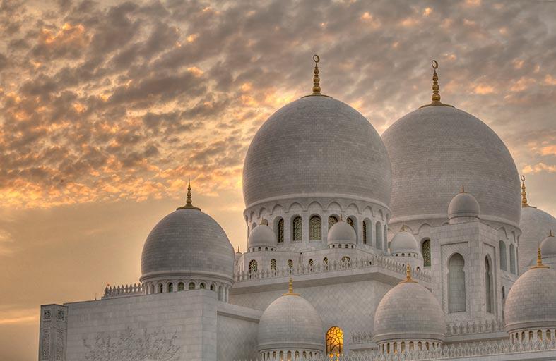 جامع الشيخ زايد الكبير يستقبل 66 ألف مصل وزائر خلال إجازة عيد الأضحى المبارك