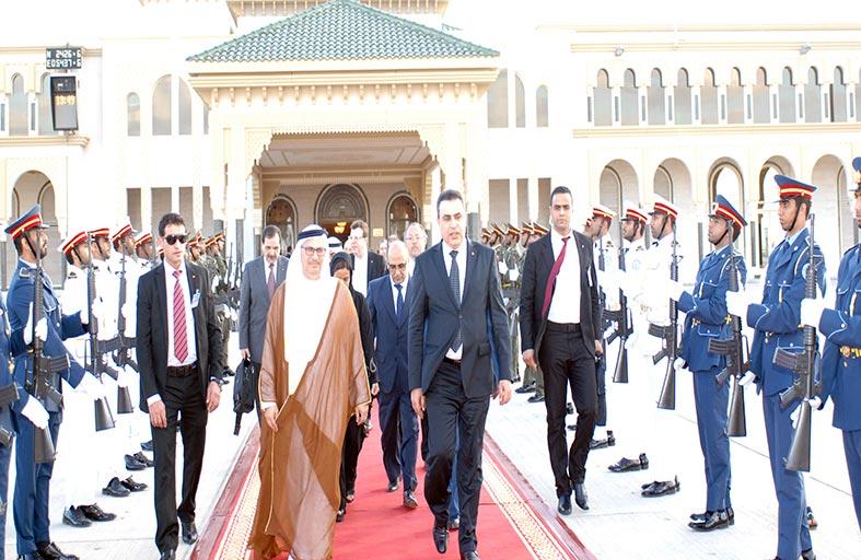 رئيس الوزراء التونسي يغادر البلاد