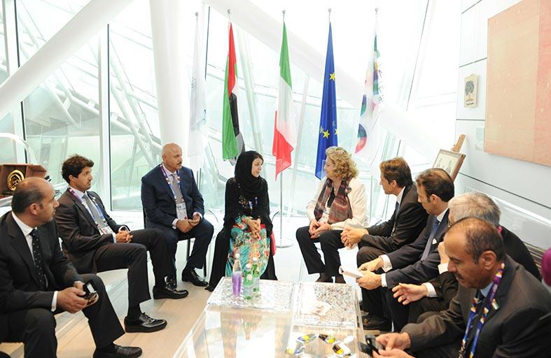 ريم الهاشمي ومفوض جناح إيطاليا يبحثان أوجه التعاون بين إكسبو ميلانو و دبي
