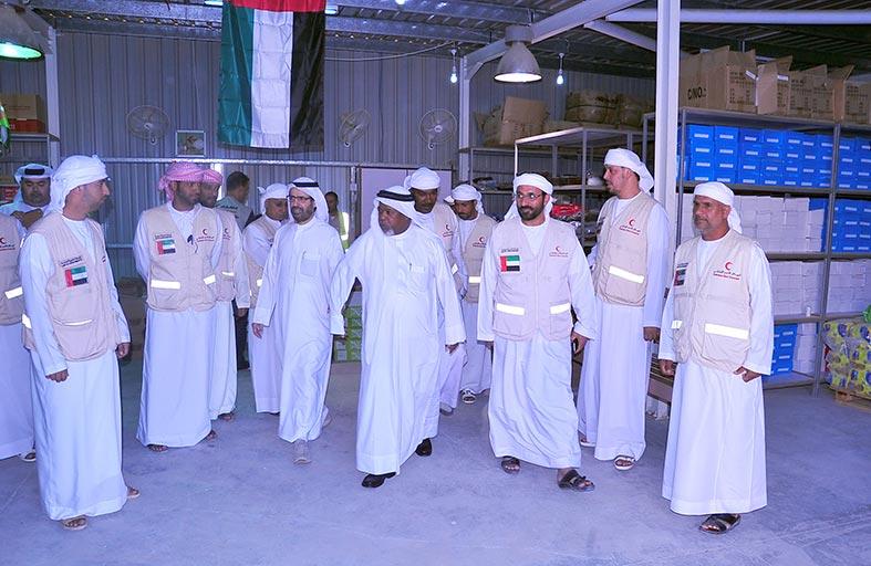 سفير الدولة يطلع على خدمات المخيم الإماراتي الأردني في مريجيب الفهود