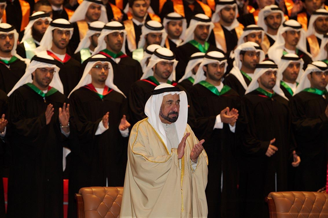 سلطان القاسمي يشهد تخريج الفوج الأول من الدفعة 13 من خريجي جامعة الشارقة