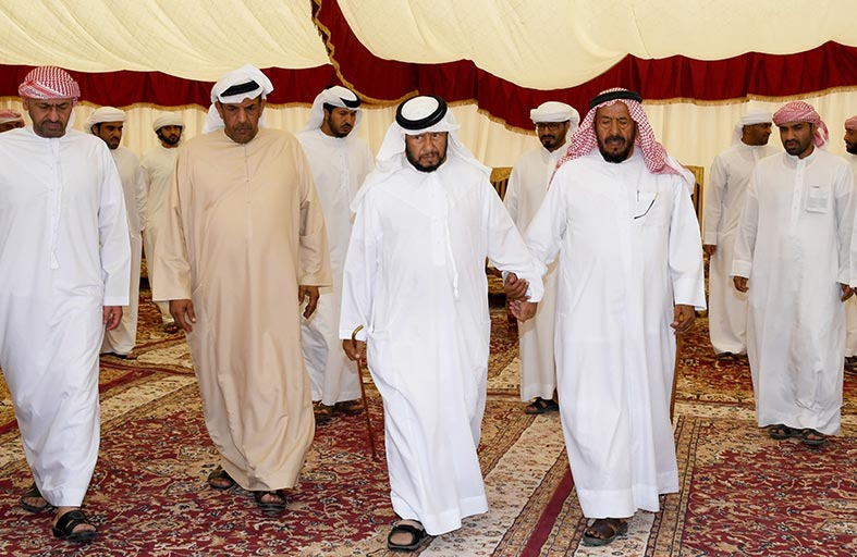 سلطان بن زايد يعزي في وفاة موزة بنت محمد ناصر بوقبي المنصوري