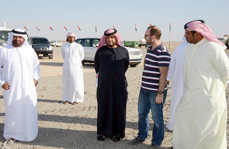سلطان بن زايد يقوم بجولة بميدان سويحان قبيل انطلاق فعاليات مهرجان سلطان بن زايد التراثي