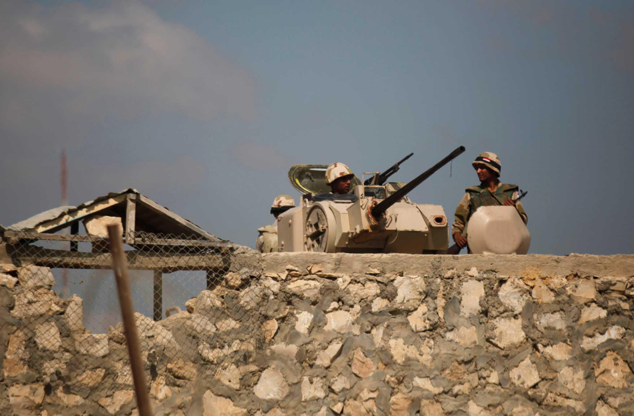 اعتقال عشرات الإرهابيين وتدمير بؤر إجرامية في سيناء
