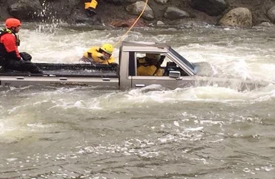 شرطة أبوظبي تستحدث فريقا للبحث والإنقاذ بالأودية والفيضانات
