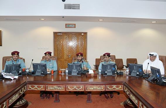 شرطة رأس الخيمة تشرح برنامج تطوير المهام الادارية والمهنية