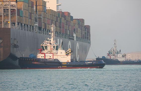 ميناء خليفة يحتفل بالذكرى الأولى لانطلاق عمليات التشغيل التجاري