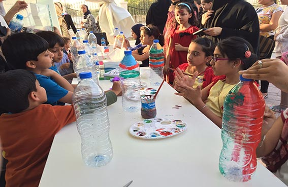 شركة بيئة تقدم ورشاً تثقيفية وتوعوية لفتيات سجايا الشارقة