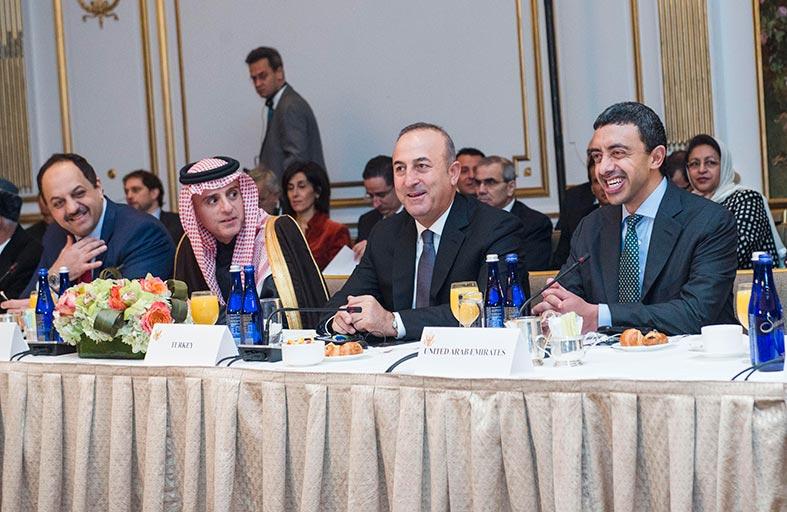عبدالله بن زايد يشارك في اجتماع دولي حول الأزمة السورية في نيويورك