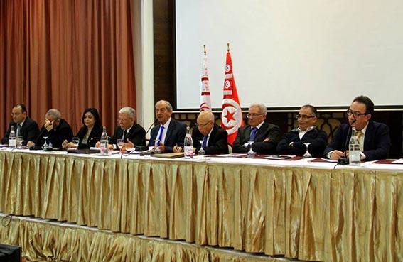 بعد تأجيل انتخاب المكتب السياسي: استقالات من كتلة نداء تونس في البرلمان..!