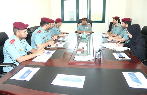 قائد شرطة رأس الخيمة يطمئن على ادارة الشؤون المالية