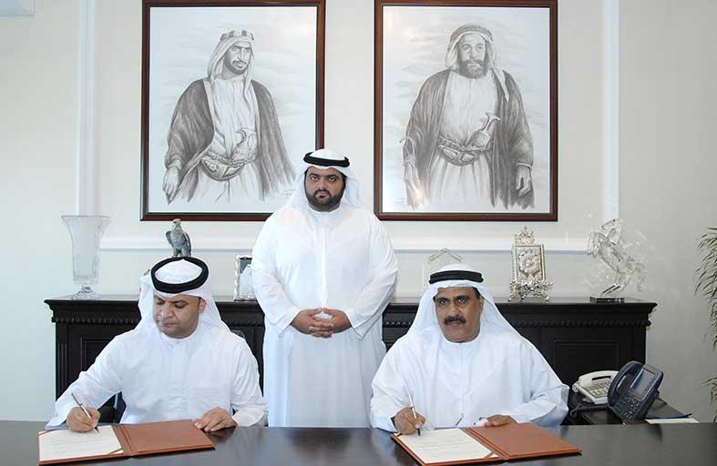 محمد الشرقي يشهد توقيع اتفاقية تعاون بين المنطقة التعليمية ونادي الفجيرة للفنون القتالية