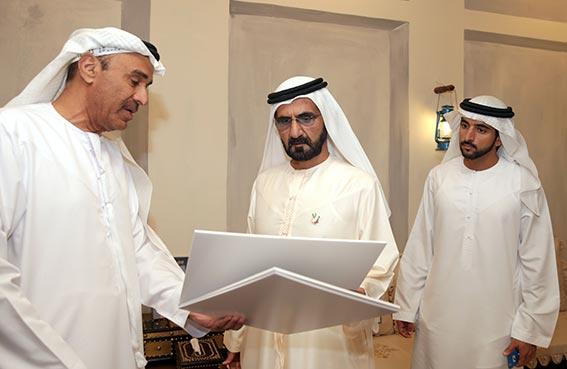 محمد بن راشد يزور بلدية دبي ويبارك حزمة من المشاريع التنموية والتجميلية