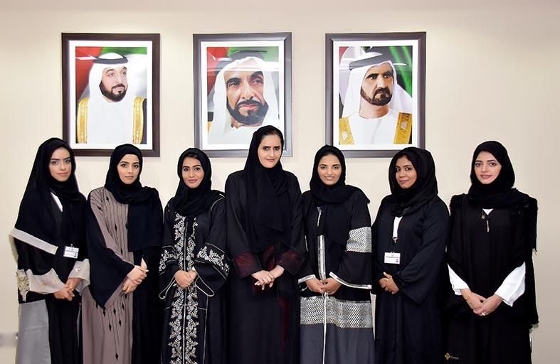 محمد سيف الهاملي: جهود المرأة الإماراتية في خدمة وطنها محل فخر واعتزاز