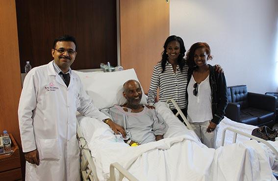 مستشفى رأس الخيمة تنقذ سفير أثيوبيا سابقا من انفجار وعاء دموي