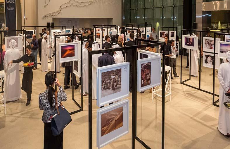 مكتب الاتصال الحكومي ينظم معرضا متنقلا للصور المشاركة بـ «أبوظبي من خلال عيونكم»