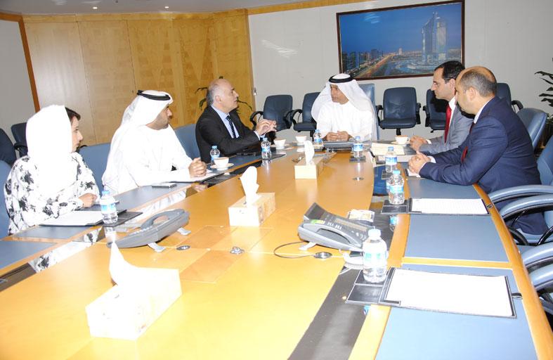 بلدية دبي تختتم أجندة أفضل ممارسات المدن الذكية مع بلدية برشلونة وتؤكد على تعزيز العمل البلدي
