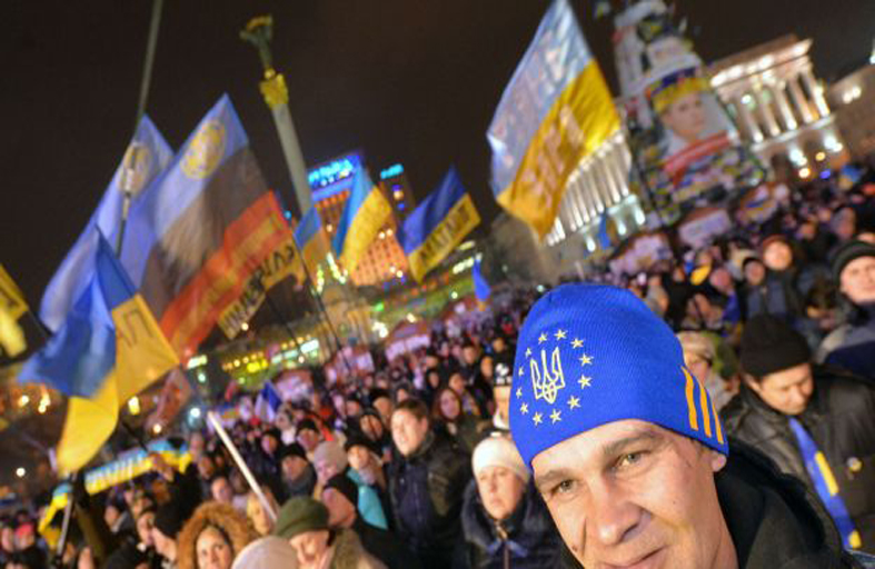 أوكرانيا: وراء غضب الشارع ، معركة جيوسياسيّة..!
