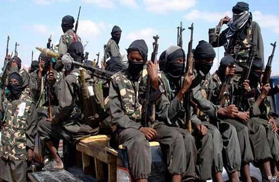 حركة الشباب تسطير على بلدتين بالصومال