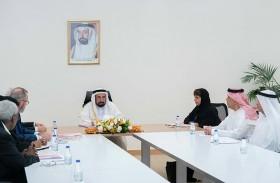 سلطان القاسمي يترأس الاجتماع التحضيري لمجلس أمناء أكاديمية الشارقة للفنون الأدائية