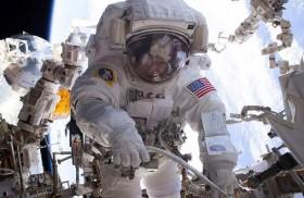 ناسا تعتزم القيام بعملية سير طارئة في الفضاء خارج المحطة الدولية