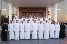 محمد بن زايد: الإمارات لن تدخر جهدا في تعزيز دورها ومسؤوليتها الإنسانية تجاه الشعب اليمني الشقيق