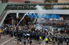توقيفات في هونغ كونغ إثر تظاهرات ومواجهات