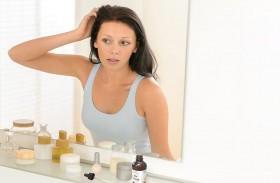 أخطاء نرتكبها عند غسل الشعر دون أن نعلم