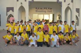 زيارة رياضية لمنتسبي ملتقى الحمرية الصيفي لصالة الرماية في نادي الذيد