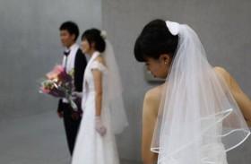 مواطنو بلد آسيوي يعزفون عن الزواج