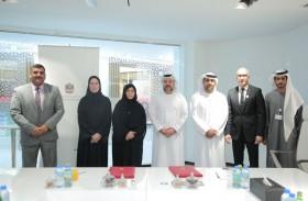 مذكرة تفاهم بين التربية وجامعة محمد الخامس أبوظبي بهدف تطوير الخطط الدراسية لأكاديمية الثقافة الإسلامية