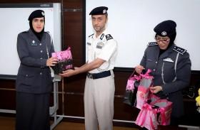 شرطة  أبوظبي تحتفي بيوم الأم