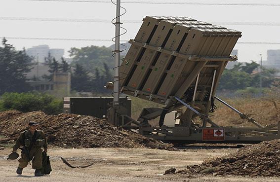 نشر بطارية مضادة للصواريخ في تل أبيب