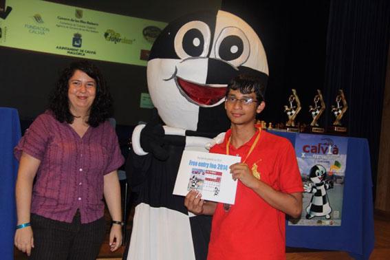 بعثة شطرنج أبوظبي تعود من اسبانيا بعد مشاركتها في مهرجان كاليفيا